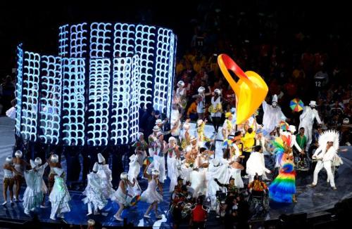Entrega do bastão para o Rio de Janeiro na cerimónia de encerramento dos Jogos Olímpicos de Londres 2012. (Foto: Dennis Grombkowski/Getty Images)